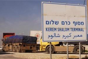 Point de Passage de Kerem Shalom : des milliers de camions d'aide humanitaire y passent chaque mois