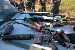 Armement-découvert-dans-la-voiture-dun-Palestinien-à-un-point-de-passage-en-Judée-Samarie