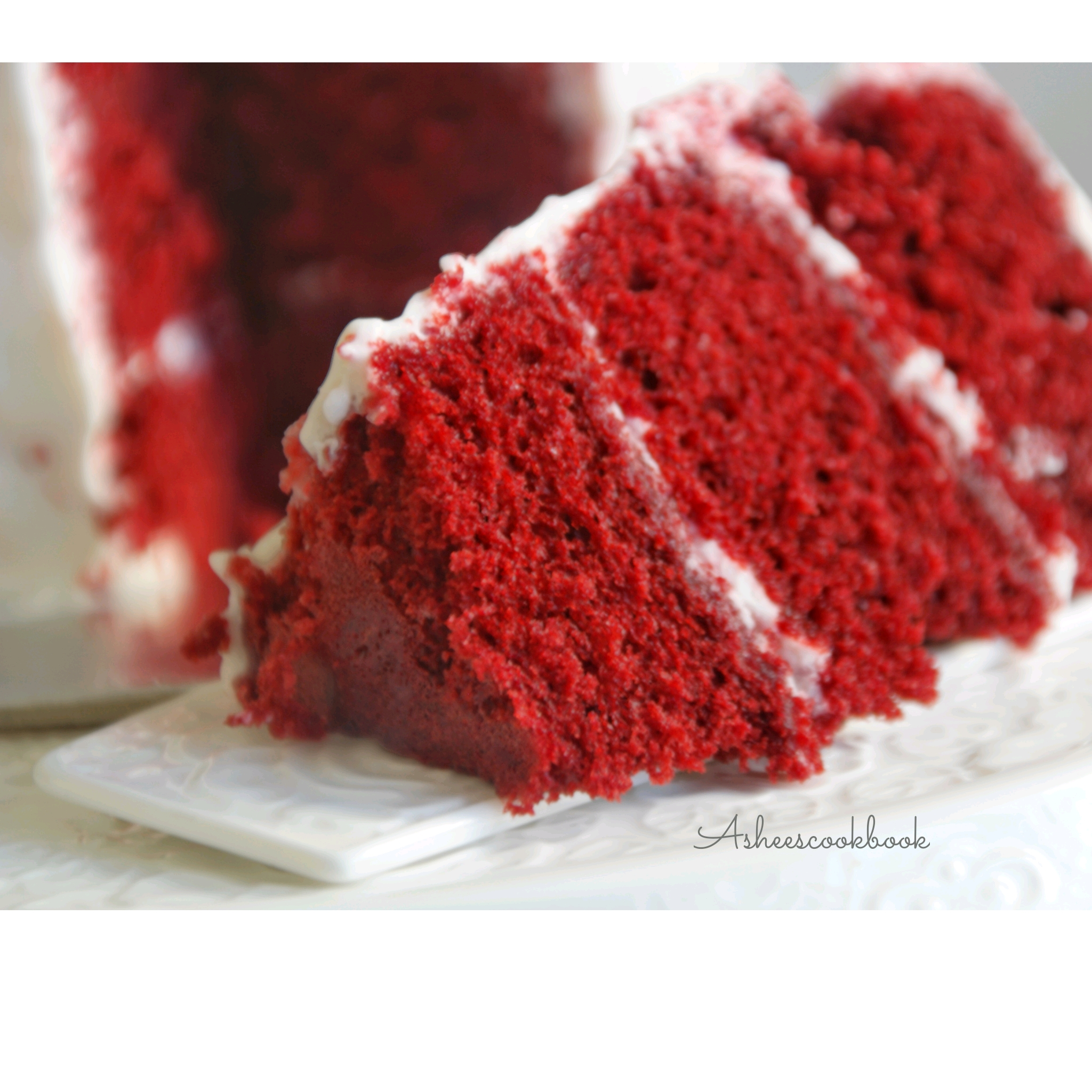 What Frosting Goes With Red Velvet Cake