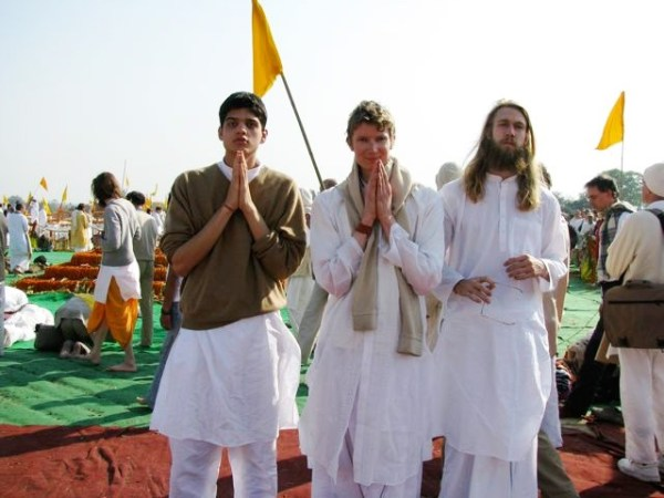 Asher-and-friends-maharishi-cremation-ceremony