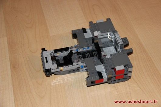 Lego - Set 75104 Kylo Ren's Command Shuttle - image 10