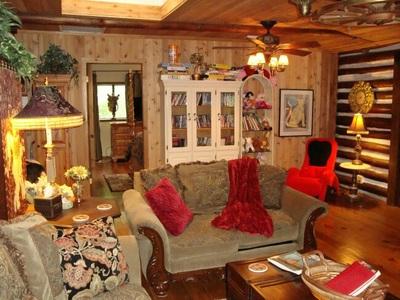 HERITAGE LOG CABIN Vacation Rental In Hendersonville NC