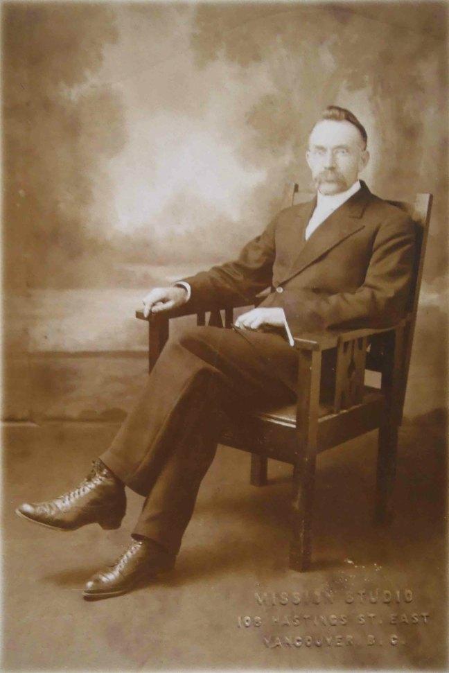 Angus McRae, Worshipful Master of Ashlar Lodge in 1917