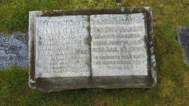 Grave of Sarah Kinnear Yates and Albert Francis Yates, Bowen Road Cemetery, Nanaimo, B.C.