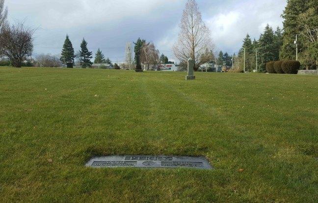 Louis Perry grave, Bowen Road Cemetery, Nanaimo, B.C.