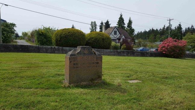 William K. Leighton grave, Bowen Road Cemetery (photo by Ashlar Lodge No. 3 Historian)