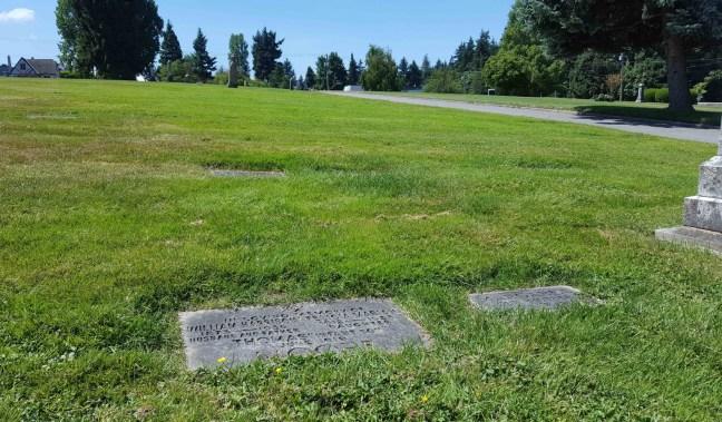 William Harrison Moore grave marker, Nanaimo Cemetery, Bowen Road (photo by Ashlar Lodge No. 3 Historian)