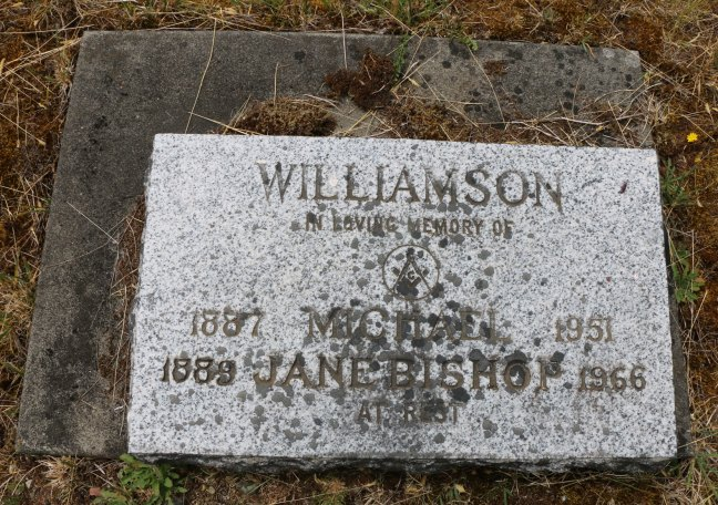 Micheal Williamson grave, Cumberland cemetery, Cumberland, B.C. (photo: Ashlar Lodge No. 3 Historian)