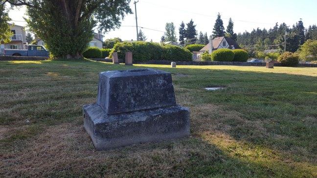 Mark Bate grave, Bowen Road Cemetery (photo: Ashlar Lodge No. 3 Historian)
