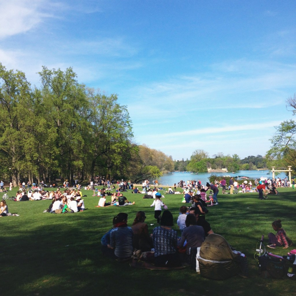 Picnickers at the Tête d'Or