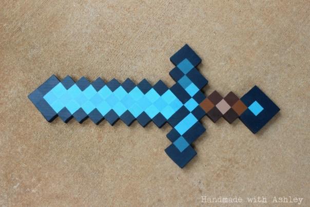 diy_wooden_minecraft_diamond_sword_tutorial (10)
