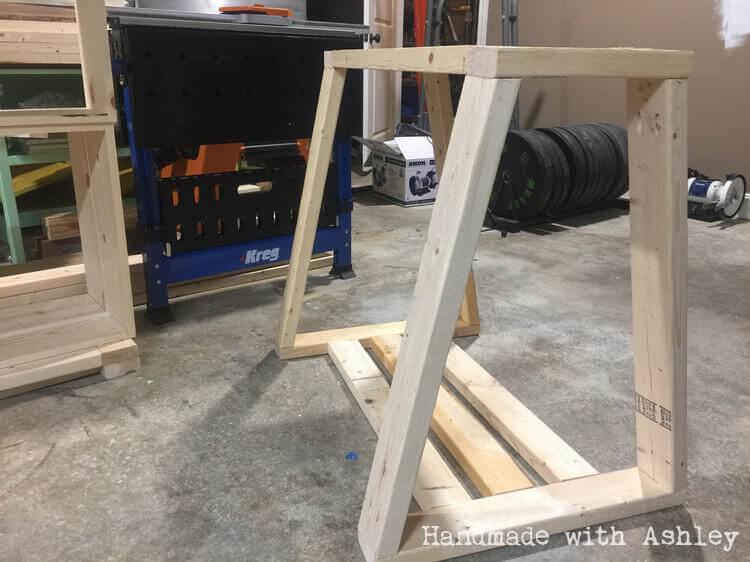 Assembling lathe stand