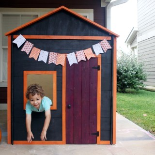 DIY Knock-down Kids Haunted Playhouse