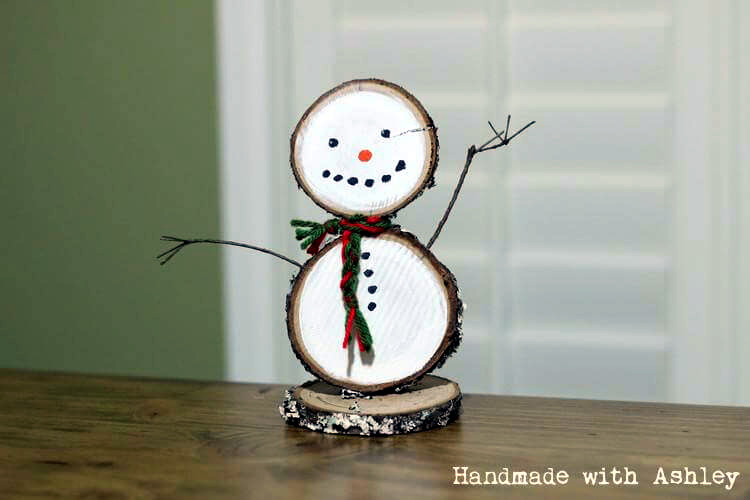 DIY Wooden Snowman  HalfHour Holiday Challenge  Handmade with