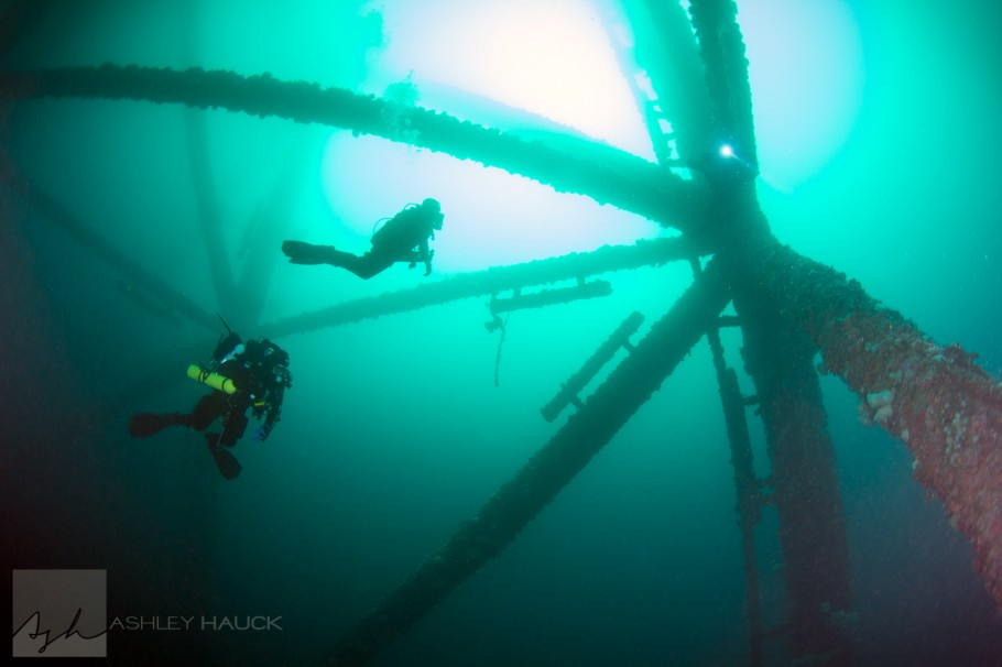 Technical divers on Elly Oil Rig