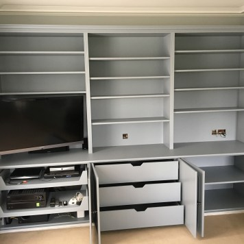 Fitted bookcase & TV unit with soft-close hinges & drawers