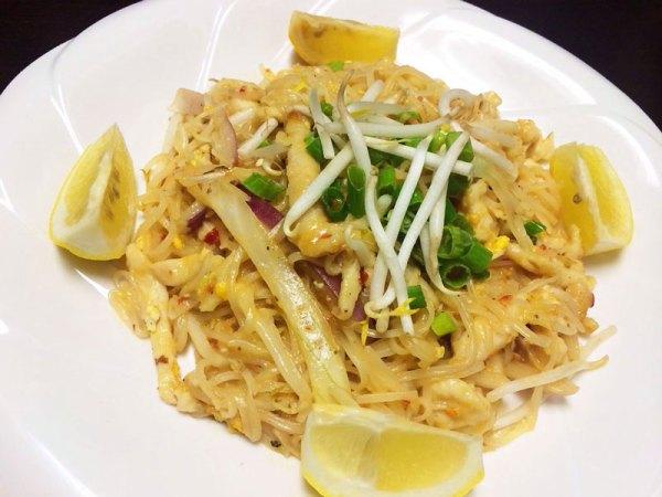 Chicken Pad Tai 3 - Asia Grill