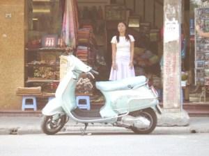 Il Vietnam ha una popolazione giovanissima e un'economia in rapidissima crescita. Hanoi, Vietnam. Foto Alessio Fratticcioli
