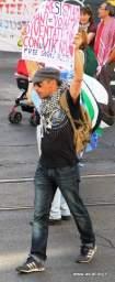 Manifestante. Foto Alessio Fratticcioli
