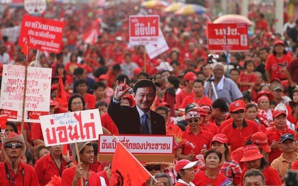 Manifestazione Camicie Rosse Thailandia
