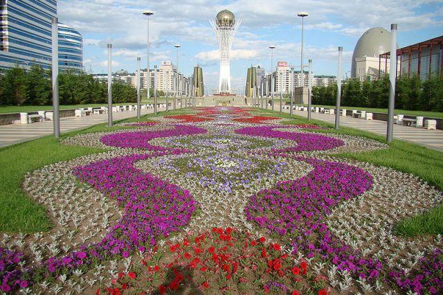 Kazakistan monument Astana
