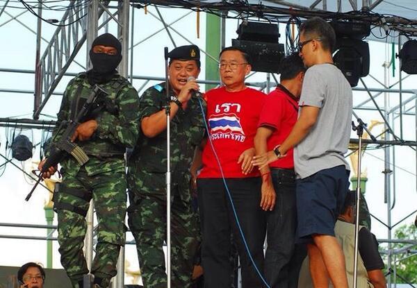 Weng Tojilakarn arrestato dai soldati
