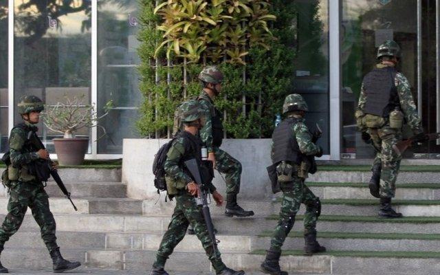 Thailandia: legge marziale e censura