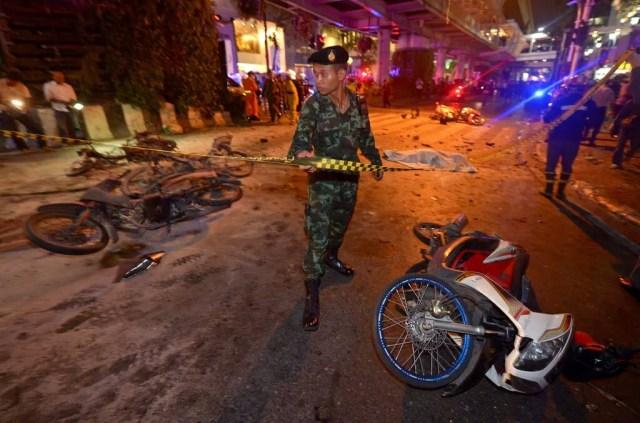 Bomba a Bangkok: morti e feriti ratchaprasong