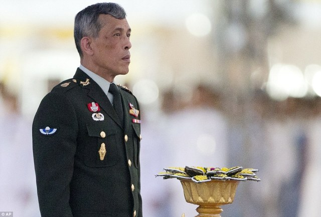 Il nuovo re della Thailandia Vajiralongkorn: succede allo scomparso Bhumibol Adulyadej.