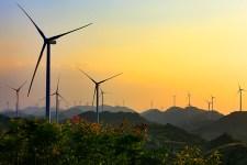 Impianto eolico in Cina: la Repubblica popolare cinese sta investendo in energie rinnovabili