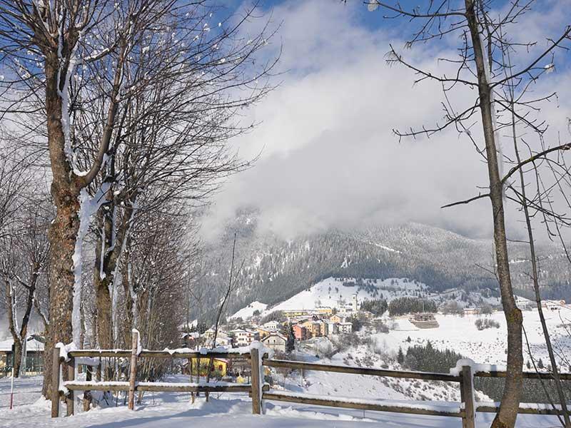 Foza  Foto Hotel Alpi due stelle  Altopiano di Asiago 7 Comuni