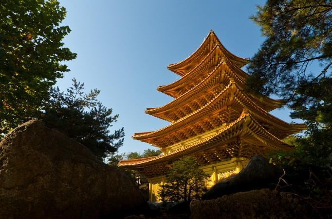 Golden-Temple-in-Korea-682x451