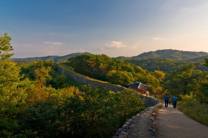 fortress-wall-Korea1-682x451