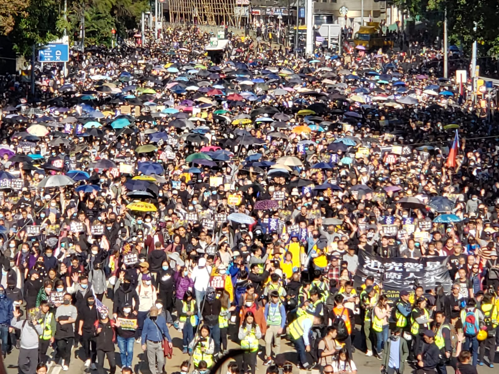 HONG KONG - CHINA March of 800 thousand marks six months of anti-extradition movement