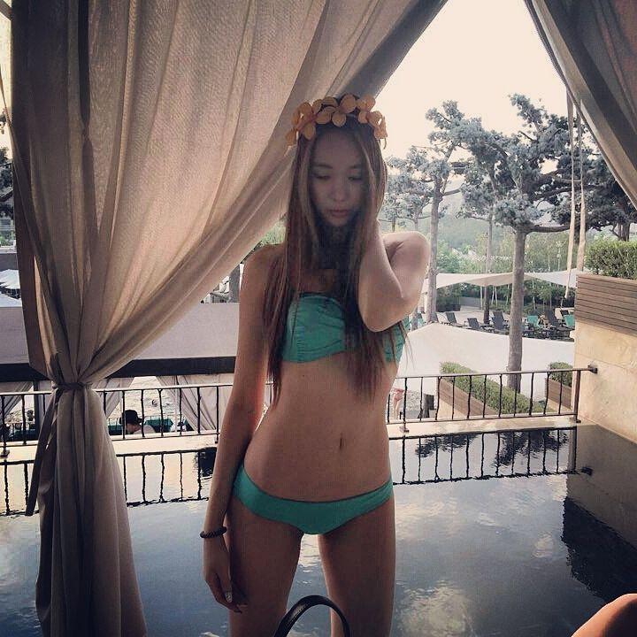 Lovestagram Ellin  Euaerin swimsuits Yoo Seung Ok doing stuff Choa has an account  Asian