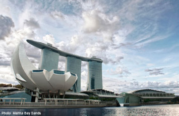Singapore now Asia's largest foreign exchange hub