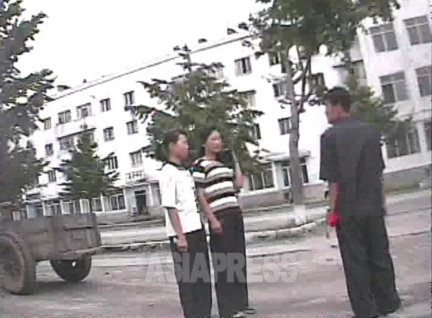 Two young women who were caught by the inspection unit checking clothes and public morals in Haeju City, North Hwanghae Province. Taken by Shim Eui-cheon on October 2008. (ASIAPRESS)