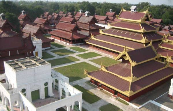 Mandalay Palace,Mandalay Palace travel,Mandalay Palace tours