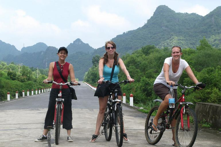Go cycling on Cat Ba Island
