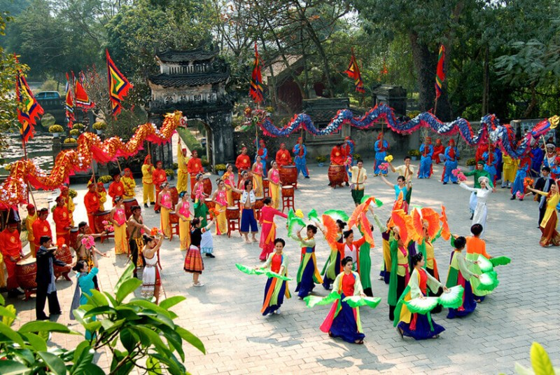 Come to Hoa Lu Ancient Capital to watch traditional festivals