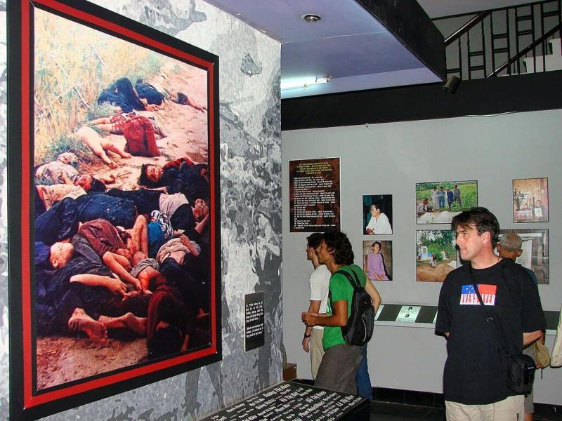 The pictures of war make visitors feel touched