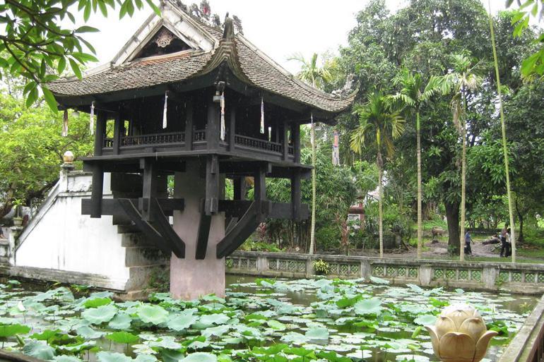 The One Pillar Pagoda (Chua Mot Cot)