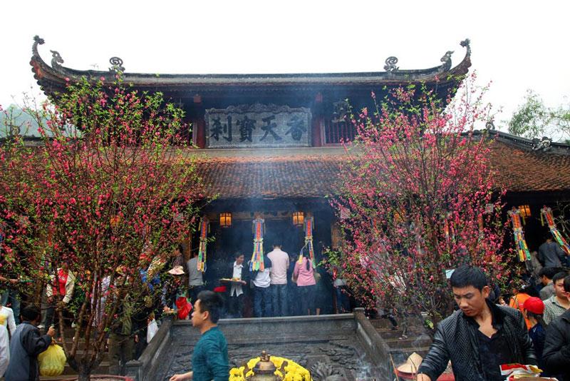 Vietnam Travel Guides 2017: Where To Go To Worship Buddha 3