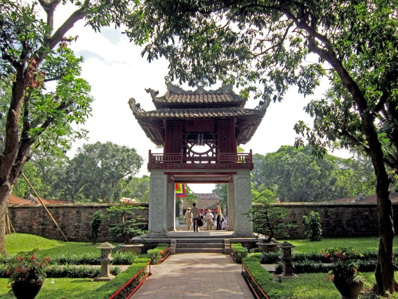 Temple-of-Literature – A-place-to-honor-the-study-of-Hanoi1