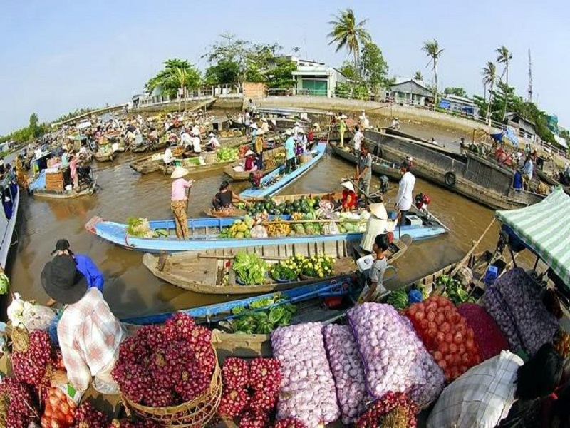 Top-5-Floating-Markets-in-Mekong-Delta-(part 1)2
