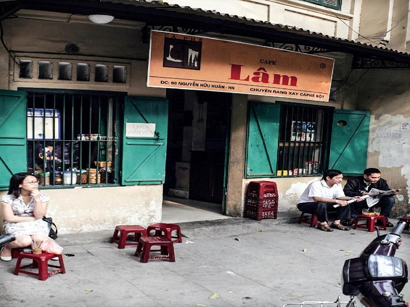 Best-places-to-have-a-cup-of-coffee-in-Hanoi3