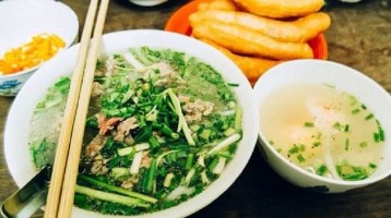 Finding the miracle attractiveness of Hanoi street food tour