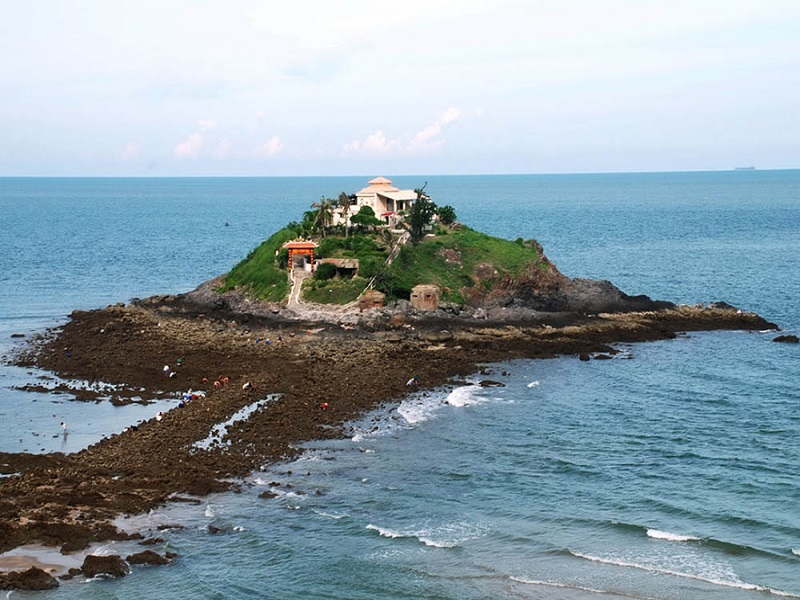 10-beautiful-spots-tourists-must-check-in-at-least-once-when-coming-to-Vung-Tau-(part 1)2