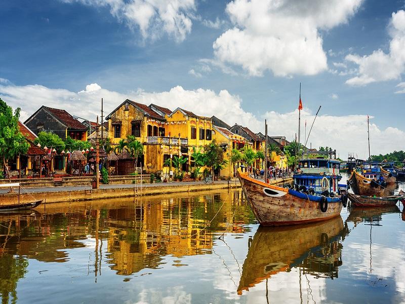 Let's-make-a-memorable-adventure-in-Vietnam3