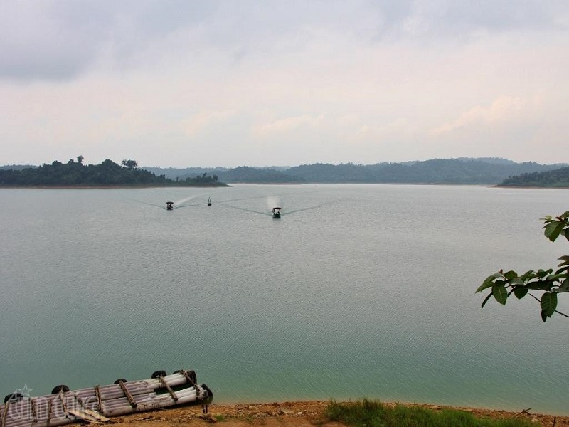 6-Ha-Long-Bays-on-land-of-the-Northern-Vietnam6